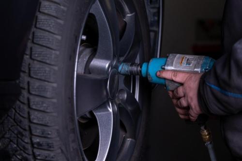 Dobus Reifen- und KFZ Service-1